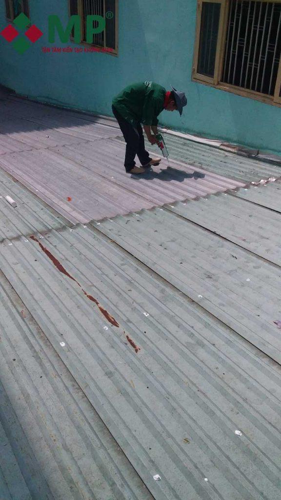 sửa nhà mái tôn